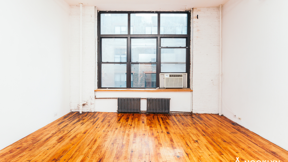 A $2,250.00, 0 bed / 1 bathroom apartment in Bushwick