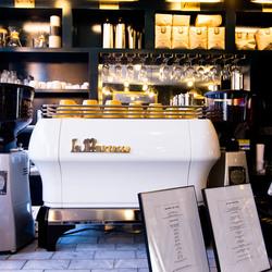 Dazzler hotel cafe 6