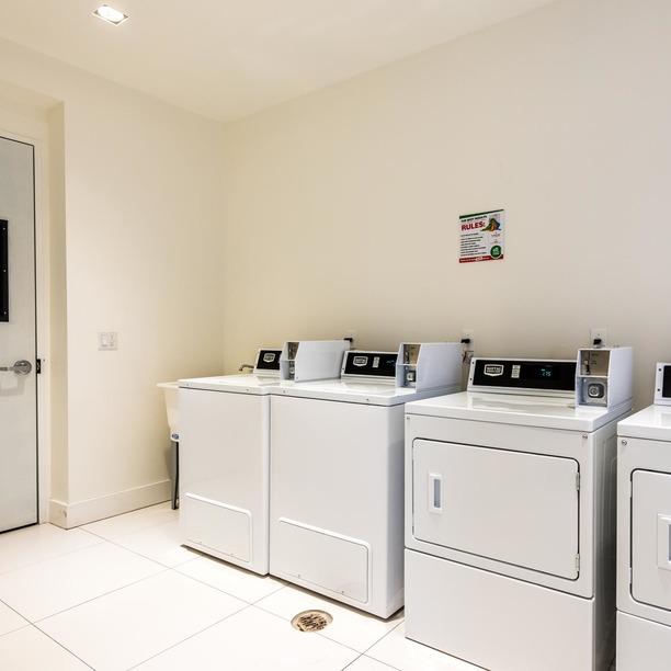 002 013 69 ten eyck street laundry 1