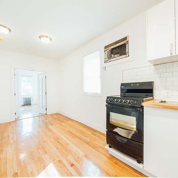140 frost st 04