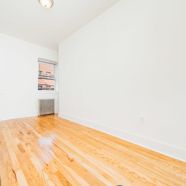140 frost st 10