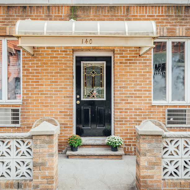140 frost st 15