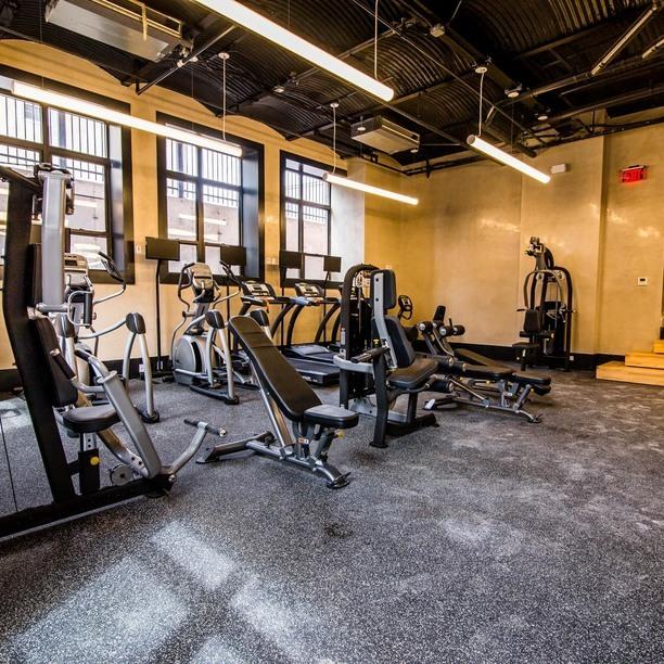 17 monitor gym 2