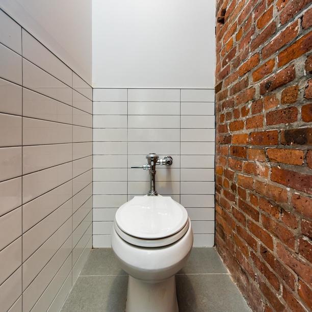 456 johnson avenue common bathrooms 1