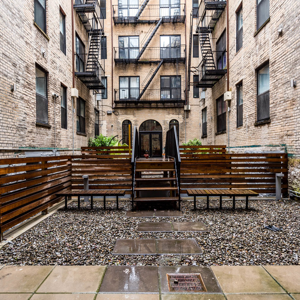015 019 1635 putnam avenue courtyard 2