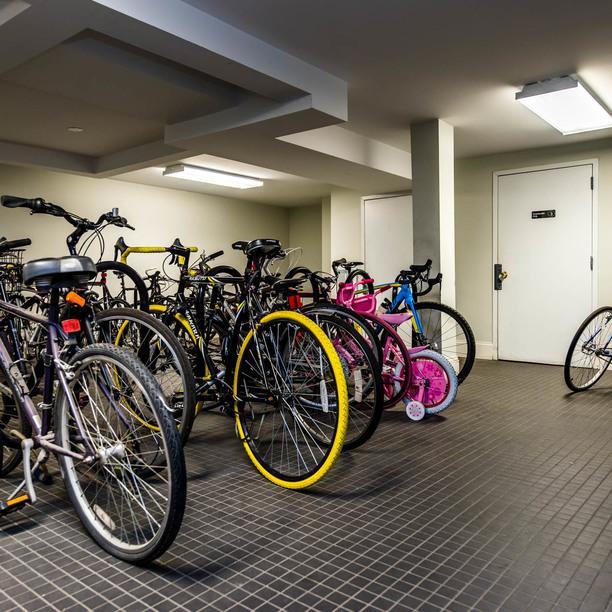 019 018 1635 putnam avenue bike storage 1