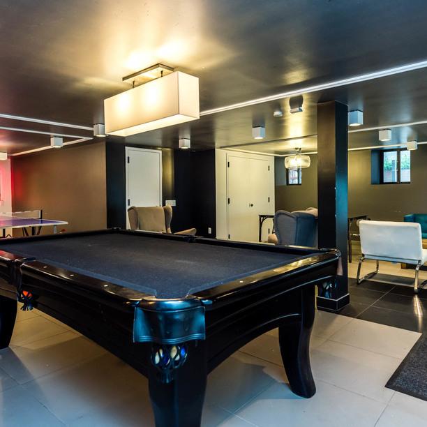 028 041 1635 putnam avenue game room 5