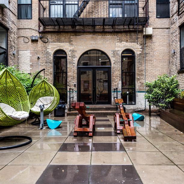 038 003 1635 putnam avenue courtyard 3