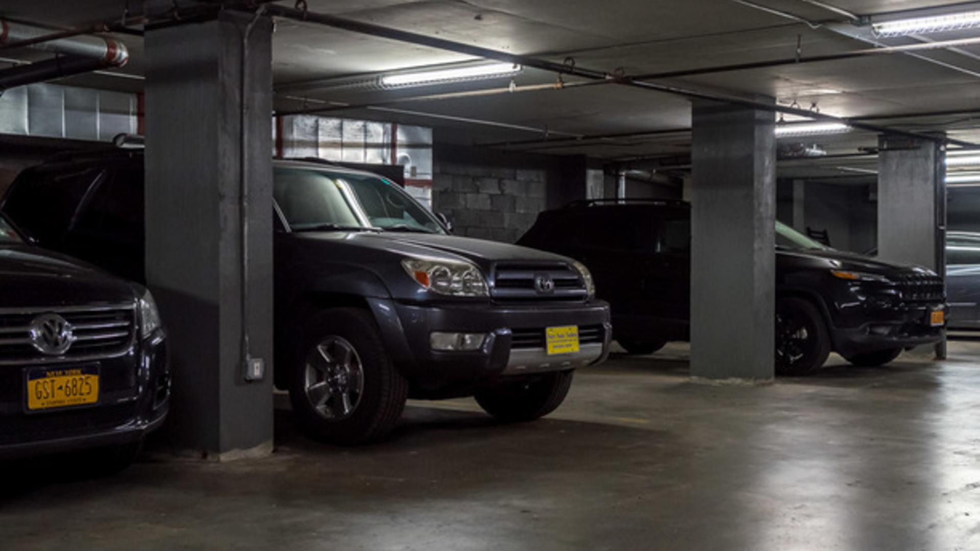 185 s 4th street garage 1