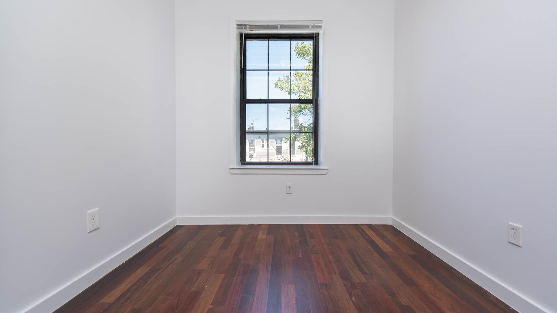 19 charlotte street 2nd floor 4