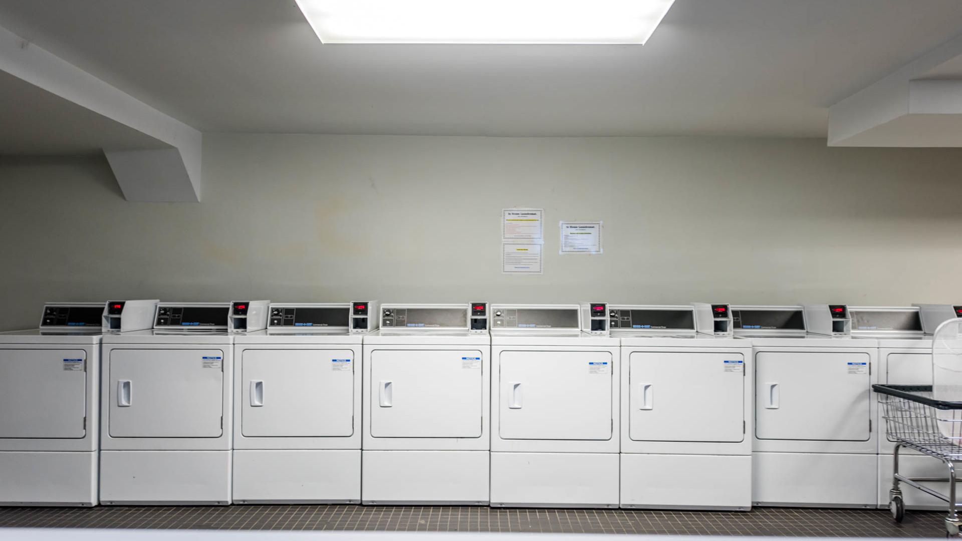 020 1635 putnam avenue bike laundry 5