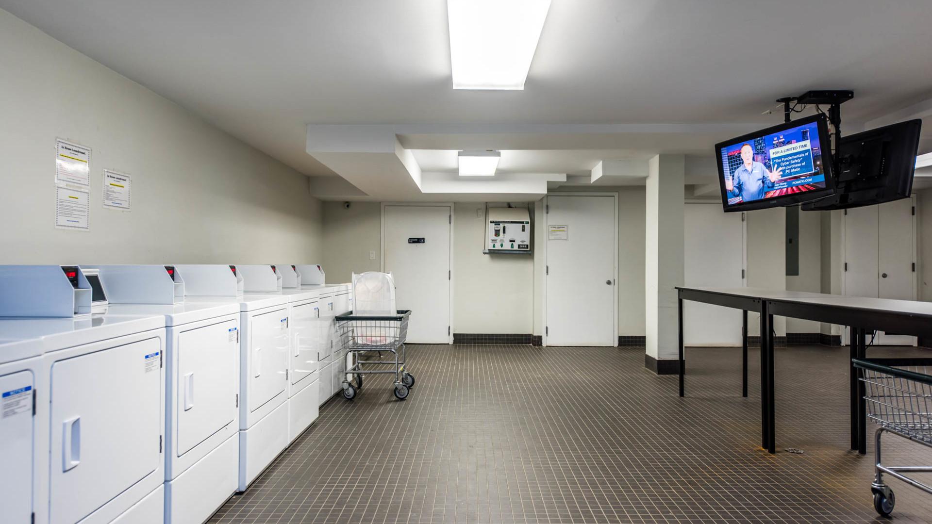 034 1635 putnam avenue bike laundry 1