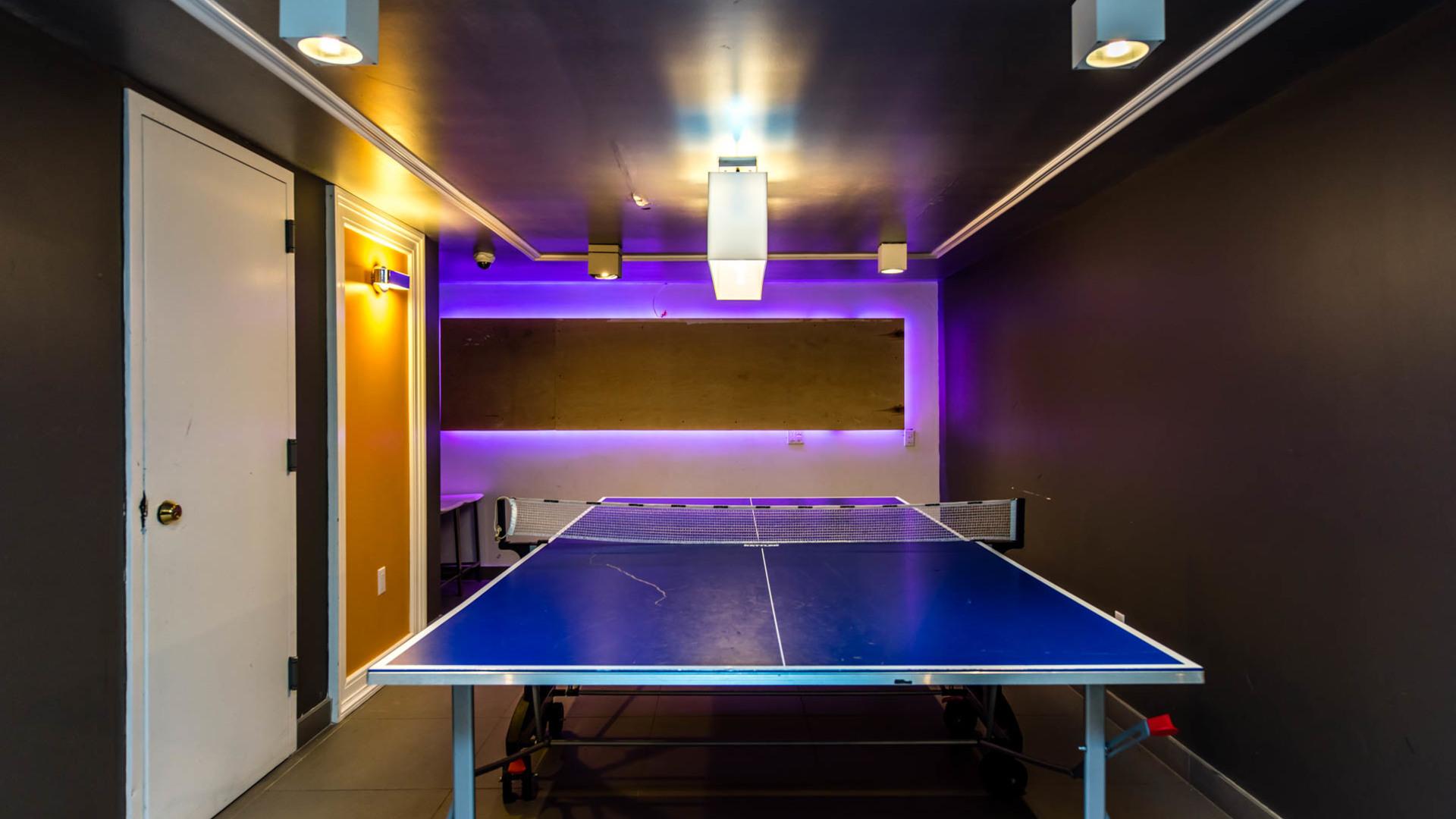 037 1635 putnam avenue game room 1