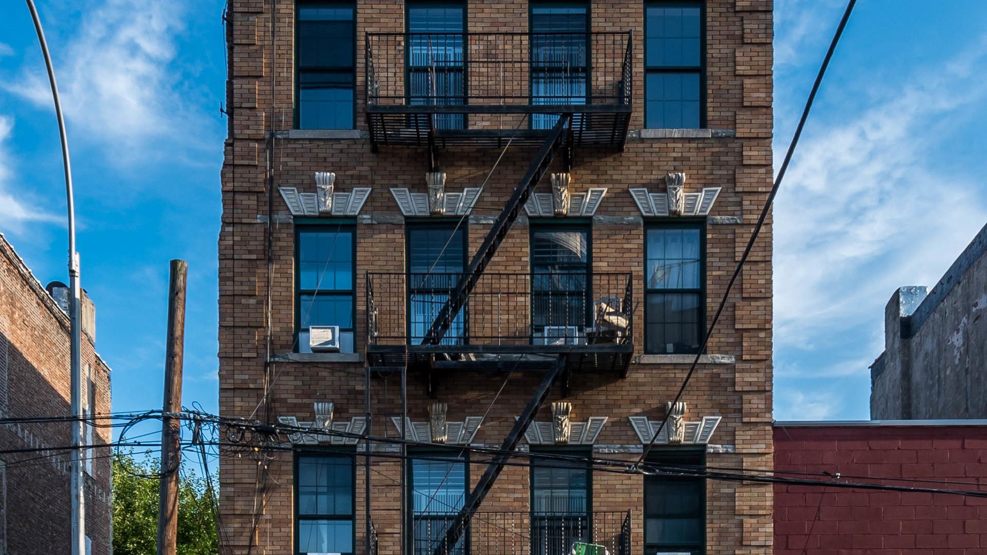 126 grattan street exterior 1