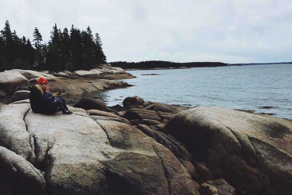 Maine with child