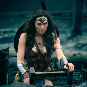 DAROM: The sexist demand on female superheroes: Save the world and look hot