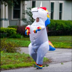 Tampa, Florida jogger dons costume to cheer up neighborhood