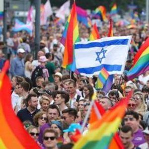 Mayor joins pride parade amid Poland's anti-LGBT campaign