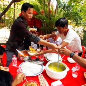 Near-erasure of Cambodian opposition makes noodles a target