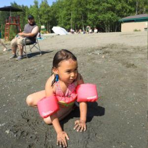 Alaskans put away jackets, get out sunscreen amid heat wave