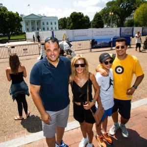 White House fence project obscures tourists' view