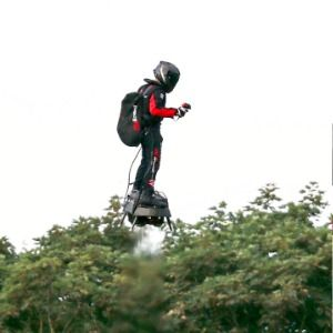 French hoverboard inventor flies over the English Channel