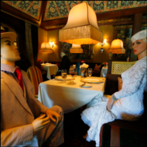 Dining with dummies? Renowned restaurant adds mannequins