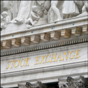Stocks fall as economy's pain deepens, head for weekly loss