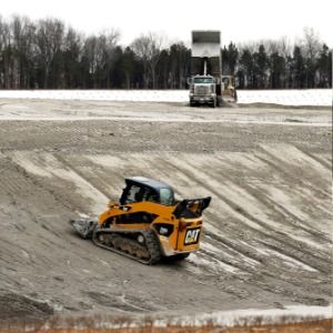 Utility will remove coal ash from pits near Tennessee river