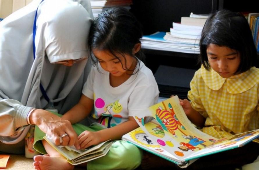 Tips dan Cara Mengajarkan Warna pada Anak Mudah dan Menyenangkan