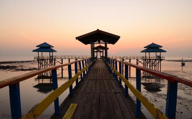 Tempat Wisata Pantai di Surabaya yang Ramah untuk Anak