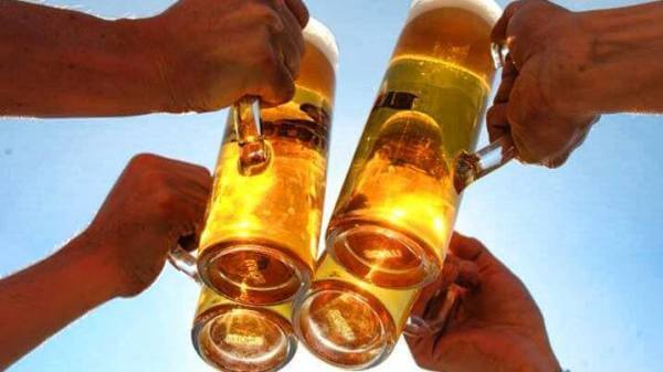 beneficios de beber alcohol