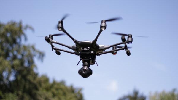 """ataque """"deliberado"""" con drones en Aeropuerto inglés"""