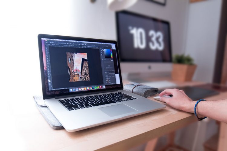 8 Must-Have Digital Tools For Photographers