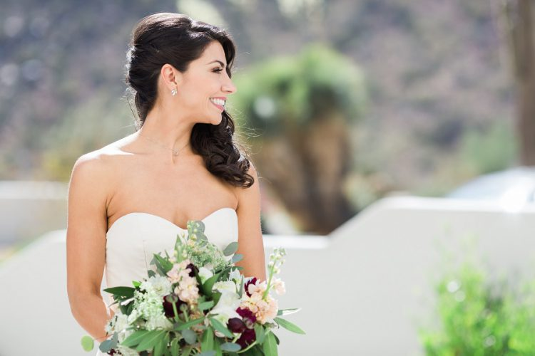 5 Essential Items to Keep You Looking Picture Perfect on Your Wedding Day