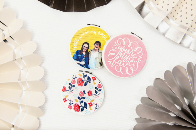 Custom compact mirrors for your bridesmaids
