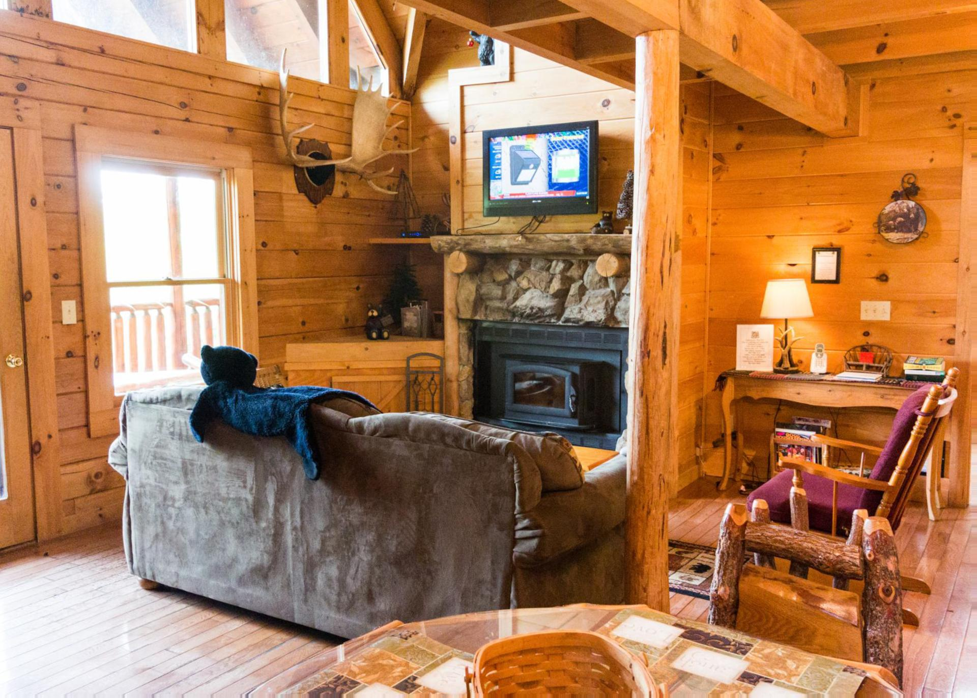 louisiana places a wisconsin ohio tubs hot christmas tahoe cabins own with for in rent to lake cabin