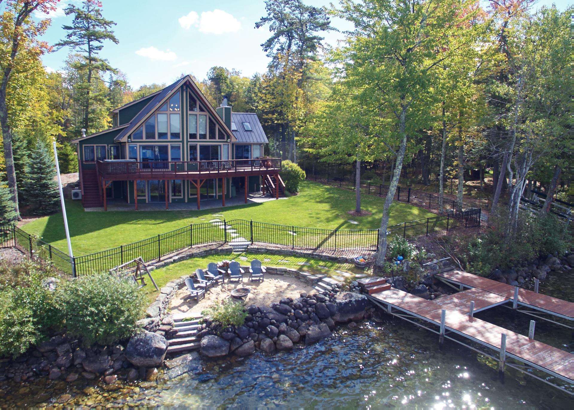 Phenomenal Lake Winnipesaukee Lakes Region Nh Vacation Rentals Home Interior And Landscaping Palasignezvosmurscom