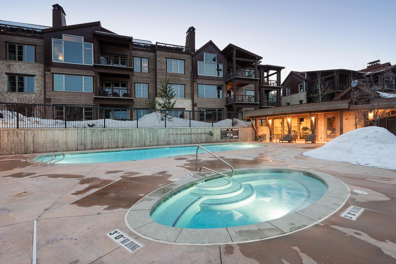 Shared Hot Tub and Pool
