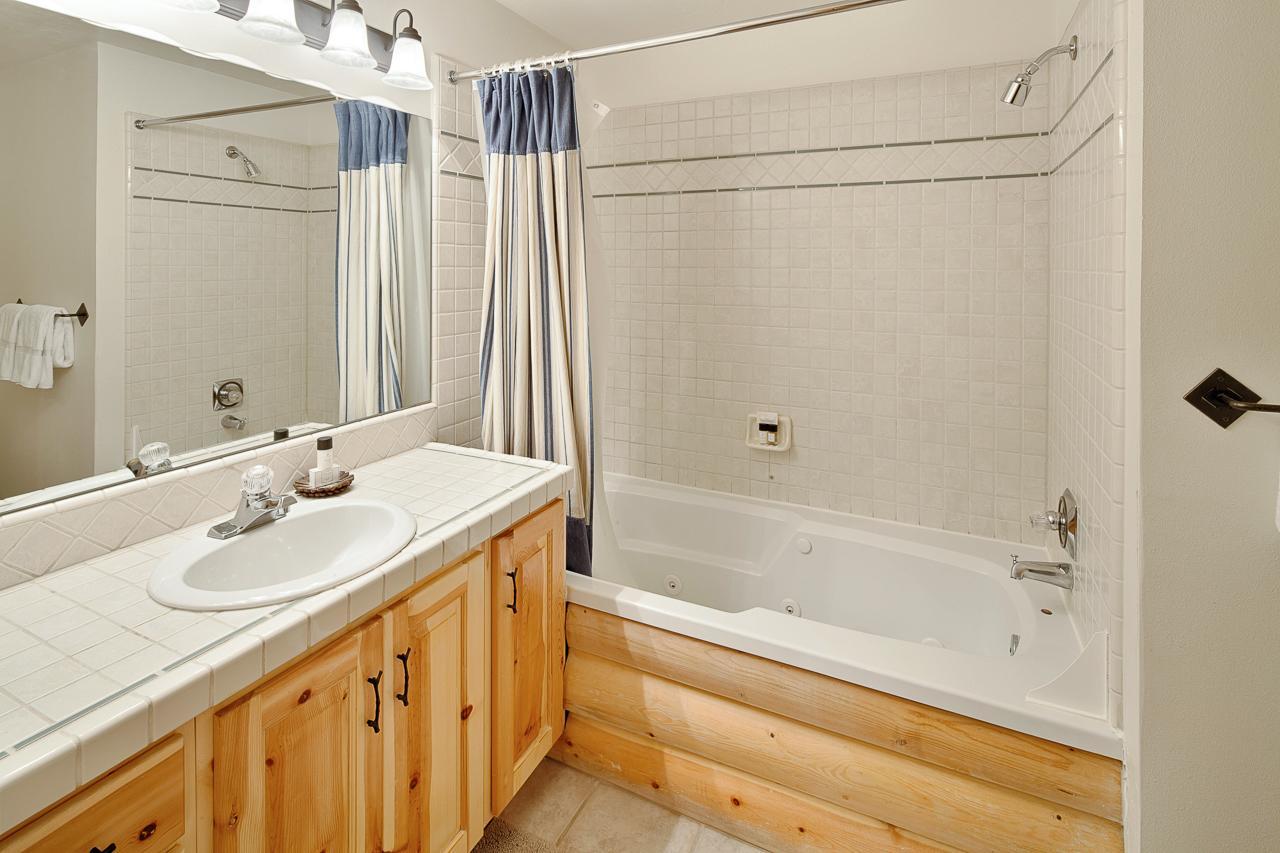 black bear lodge - 2 bed - 252 | natural retreats