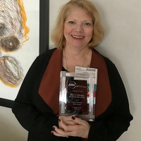 Mary Gollinger receives the ARN Nurse Executive Role Award!
