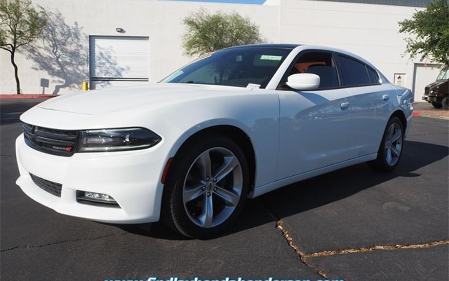 Pre-Owned 2017 Dodge Charger