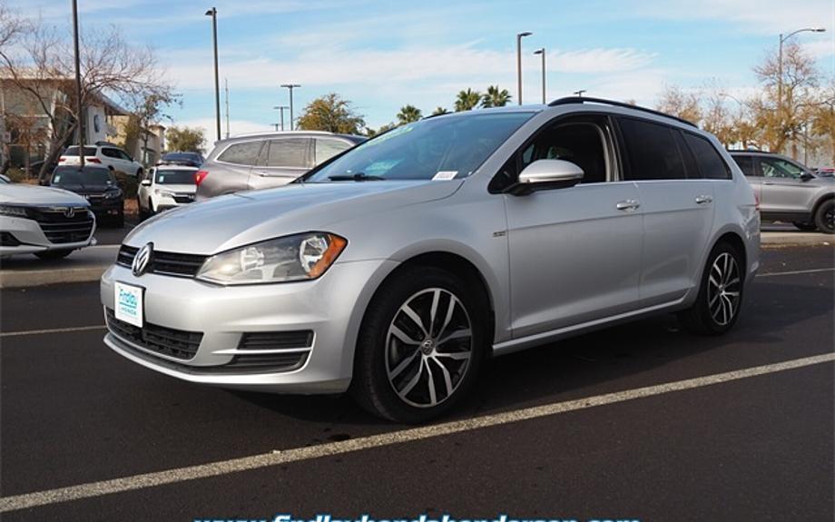 Pre-Owned 2016 Volkswagen Golf SportWagen TSI Limited Edition
