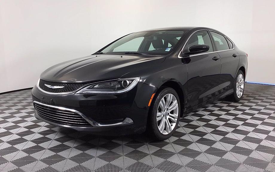 Pre-Owned 2016 Chrysler 200
