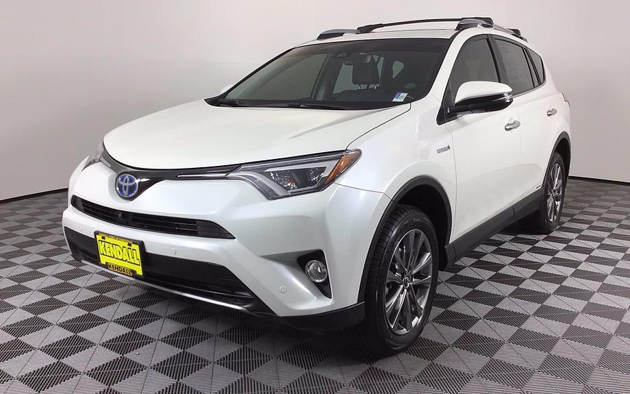Pre-Owned 2018 Toyota RAV4