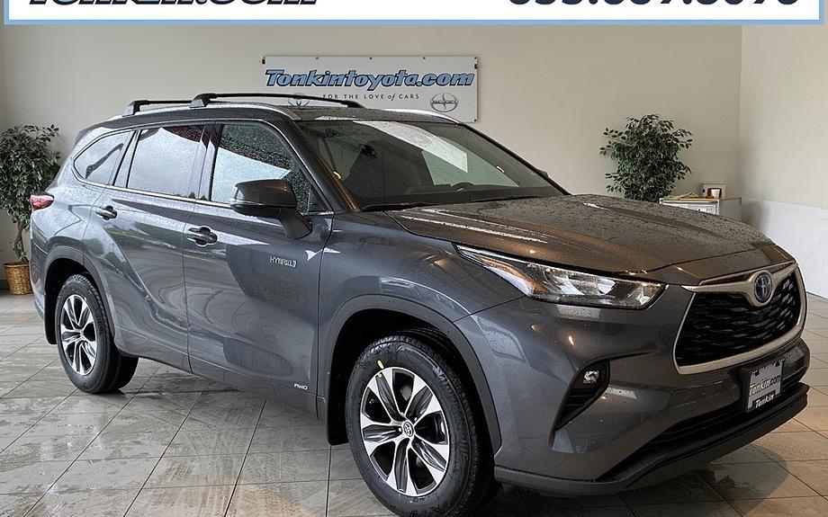 New 2020 Toyota Highlander Hybrid XLE