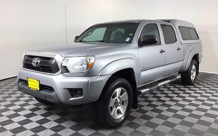 Pre-Owned 2014 Toyota Tacoma 4WD Double Cab LB V6 AT (Natl)