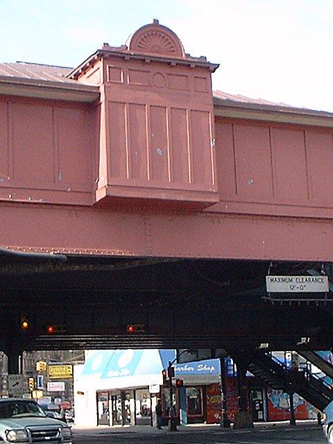 (67k, 480x640)<br><b>Country:</b> United States<br><b>City:</b> New York<br><b>System:</b> New York City Transit<br><b>Line:</b> IRT West Side Line<br><b>Location:</b> 207th Street <br><b>Photo by:</b> Peggy Darlington<br><b>Date:</b> 2001<br><b>Viewed (this week/total):</b> 0 / 2561