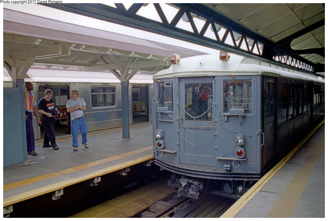 (402k, 1044x703)<br><b>Country:</b> United States<br><b>City:</b> New York<br><b>System:</b> New York City Transit<br><b>Line:</b> IRT West Side Line<br><b>Location:</b> 242nd Street/Van Cortlandt Park <br><b>Route:</b> Fan Trip<br><b>Car:</b> Low-V (Museum Train) 5292 <br><b>Photo by:</b> David Pirmann<br><b>Date:</b> 9/8/1996<br><b>Viewed (this week/total):</b> 0 / 4925