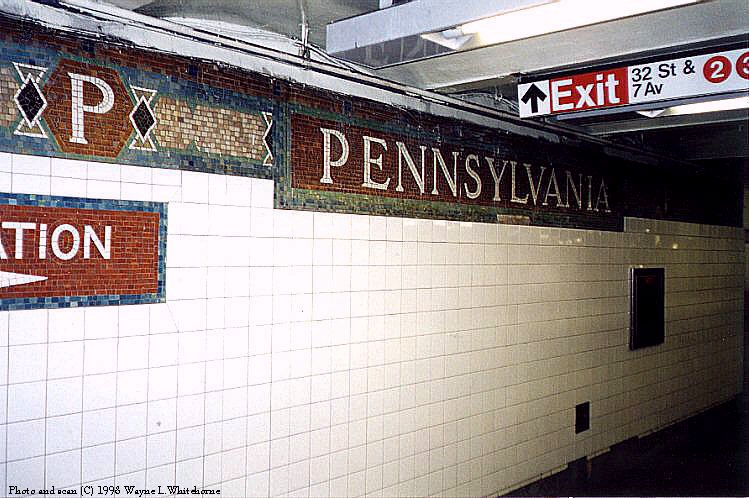 (98k, 749x498)<br><b>Country:</b> United States<br><b>City:</b> New York<br><b>System:</b> New York City Transit<br><b>Line:</b> IRT West Side Line<br><b>Location:</b> 34th Street/Penn Station <br><b>Photo by:</b> Wayne Whitehorne<br><b>Date:</b> 1998<br><b>Viewed (this week/total):</b> 0 / 3516